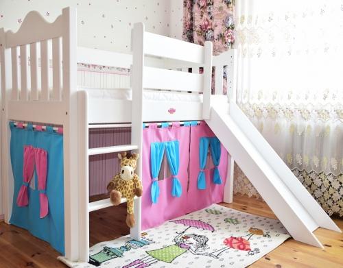 Łóżko dla dzieci Zameczek ze zjeżdżalnią i kurtyną