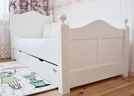 Stylowe łóżko , łóżko drewniane , łóżko dla dziewczynki ,...