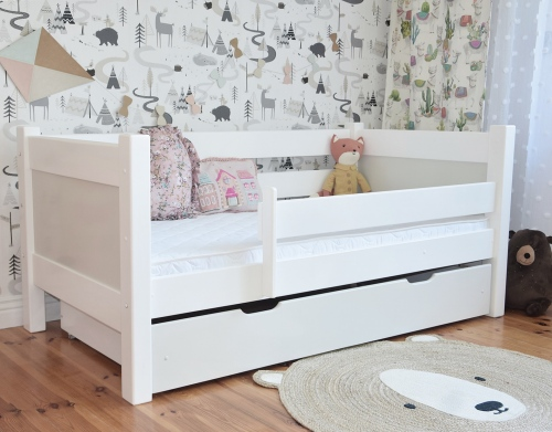 """Jednoosobowe łóżko dla dzieci , łóżko drewniane """" BIINI """""""