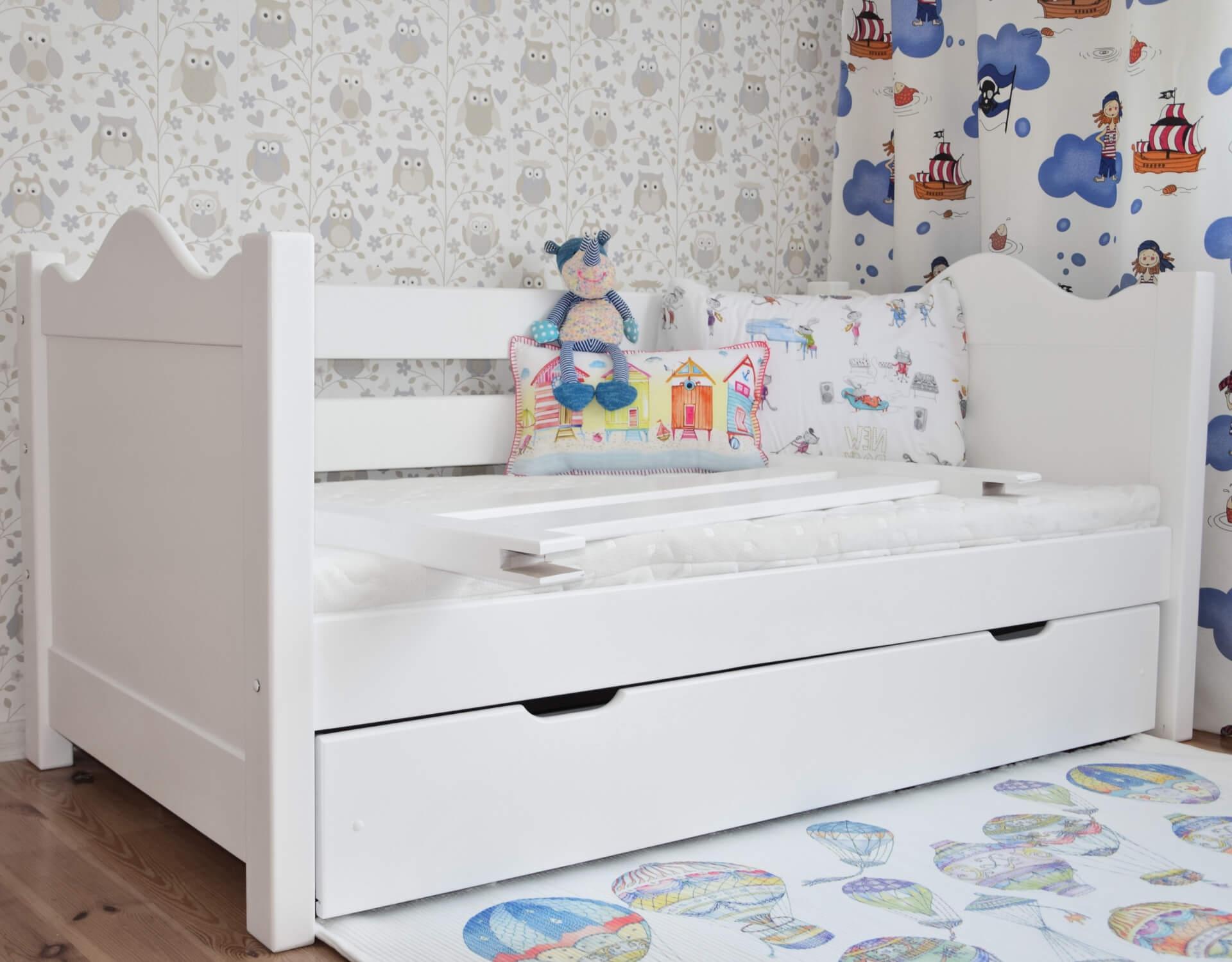 łóżko Dla Dzieci Basia Z Barierką I Szufladą Białe